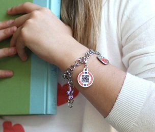 One size fits all, set of 5 movable charms on lobster clasps. http://dynotag.hostedbywebstore.com/Dynotag®-Enabled-Emergency-Information-Bracelet/dp/B00P3BMY1Y